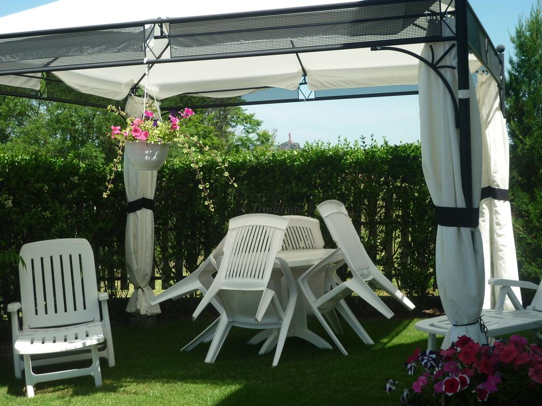 Les jardins de champfleury chambre et table d 39 h tes - Chambre de commerce le puy en velay ...